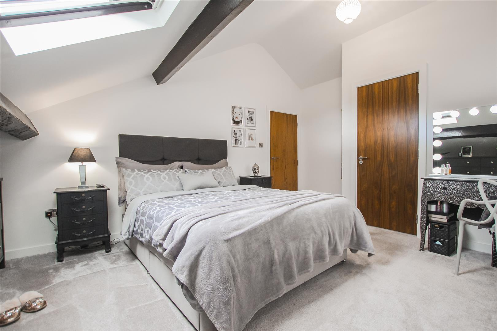 3 Bedroom Duplex Apartment For Sale - Image 9